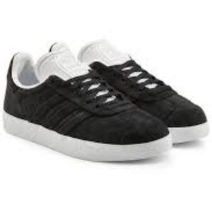 NWT Adidas Gazelle Stitch and Turn Sneakers